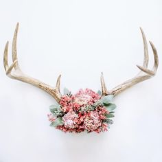 Handmade floral antlers by Red Teepee. Look for us on Dec 5 at @porterflea in #Nashville. by @lesleemitchell #redteepee Gifts for her.