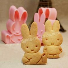 Cute Cute bunny!  Rabbit Bunny Cookie Cutter Stamp Mold Set