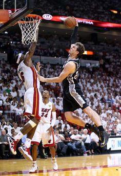 NBA Kicks: LeBron James blocks the Spurs with a win in the Nike LeBron 10 Elite