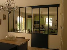 Cuisine et cloison transparente Hanging Room Dividers, Room Divider Doors, Sliding Room Dividers, Loft Design, House Design, Room Deviders, Old Country Houses, Cheap Rooms, Interior And Exterior