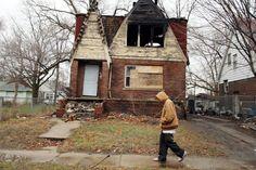 Opuštěné domy v Detroitu. Někdejší mekka automobilového průmyslu upadá už desítky let, což se projevuje v odlivu obyvatel a množství opuštěných budov i továren.