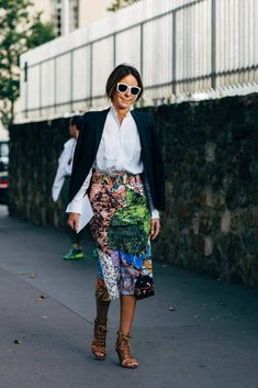 50 Street Style Looks to Copy Now Fashion Over 40, Look Fashion, Urban Fashion, Spring Fashion, Autumn Fashion, Fashion Outfits, Womens Fashion, Fashion Design, Paris Fashion