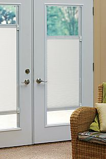 Sliding Door Blinds – Style and Decor Ideas When searching for sliding-door dividers, we may discover a wide variety, such as dividers for patio doors that are sliding. French Door Window Coverings, Blinds For French Doors, Sliding Door Blinds, French Door Curtains, Door Window Treatments, Glass French Doors, French Doors Patio, Patio Doors, Sliding Glass Door