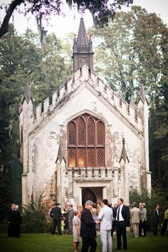 this is one of the prettiest places to get married. and its in natchez. so small though...