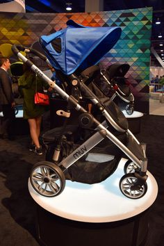 Muv Reis // One of Muv's first strollers is the lightweight Reis ($700). The four-wheel pushchair will be available in November.