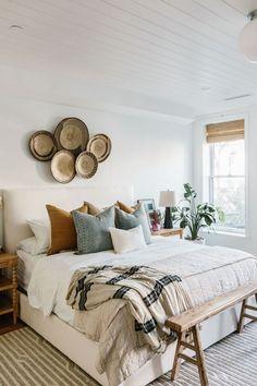 Room Ideas Bedroom, Home Decor Bedroom, Tan Bedroom, Earthy Bedroom, Modern Boho Master Bedroom, Nature Bedroom, Vintage Bedroom Decor, Bed Room, Bright Bedroom Ideas