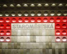 Estética até no subsolo em Praga... Estação de metrô no centro da cidade #prague #praga #eurotrip #eurotrip2016