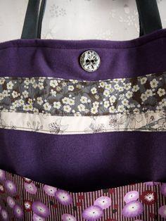 Sac Ruban carré porté épaule laine violette et petites fleurs par Fee Home, €49,00