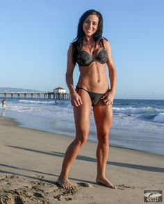 Beautiful Brunette Surf Girl Bikini Swimsuit Model Goddess@ Manhattan Beach! Pro Body Builder!