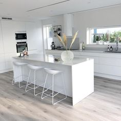 58 amazing kіtсhеn idеаѕ wіth the mоѕt affordable cоѕt 51 - Küche - Yorgo Angelopoulos Open Plan Kitchen Living Room, Kitchen Room Design, Modern Kitchen Design, Home Decor Kitchen, Kitchen Furniture, Kitchen Interior, Home Kitchens, Kitchen Ideas, Kitchen Designs