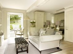 Luxury self-catering cottage in Stamford, Rutland. Luxury cottage in Stamford, Rutland The Parisian