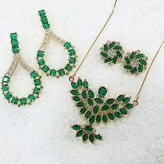este lindo conjunto só em www.mercadodejoias.com    @jmm.costa    #semijoias #acessorios #Jewel #amei #brincos #itgirl #moda #tendencias #jewelry #today #amomuito #saopaulo #estilo #glamour #folheados #bruto #bijouterias #bijoux #altabijoux