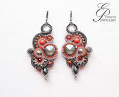 Editgyöngyei: május 2017 Soutache Earrings, Drop Earrings, Shibori, Beaded Embroidery, Belly Button Rings, Jewelry Making, Jewelries, Beads, Jewerly