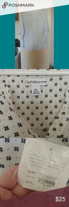 Kohls Croft and Barrow Lightweight. Perfect for summer. Non smoking and very clean croft & barrow Tops Blouses