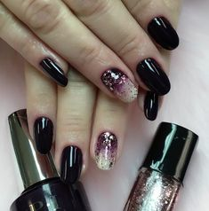 This beautiful black nail polish with luxuriant gloss is enriched with the beautiful varnish with glitter on one nail, which gives a special seal the whole manicure.