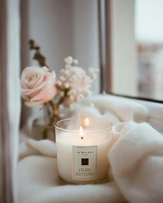 I love candles. Scented Candles, Candle Jars, Flower Aesthetic, Candels, Coffee And Books, Home Living, Aesthetic Pictures, Beautiful Pictures, Room Decor