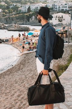 Backpack? ✔ Weekend bag? ✔ Sunglasses? ✔ Hat? ✔ Toni from @_whereaboutus is ready for a weekend away! What are your plans for this weekend? ☀️  #Saturday #weekend #beach #Summer #TheChesterfieldBrand #chesterfieldbags #mychesterfieldbag #happyday #positivity #positivethoughts #bekind #leather #leatherbags #leer #dreams #followyourdream #nature #sunshine #happy Weekend Bags, The Ch, Weekends Away, Chesterfield, Leather Bag, Sunshine, Sporty, Positivity, Hat