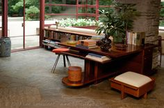 http://www.sabrinanagel.com/wp-content/uploads/Fallingwater-books-and-desk-in-Living-Room.jpg