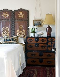 23 Ideas To Use Room Dividers As Headboards | Shelterness