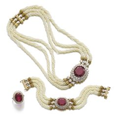Impressive ruby, seed pearl and diamond parure Ruby Jewelry, India Jewelry, Bridal Jewelry, Jewelry Box, Simple Necklace, Necklace Set, Beaded Necklace, Pearl Necklaces, Victorian Jewelry
