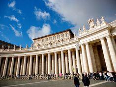 Na Janelinha para ver tudo: As belissimas colunatas da Piazza San Pietro