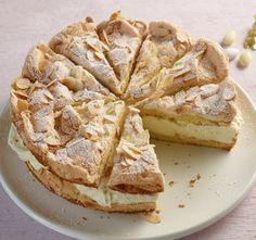 Zitronen-Sahne-Torte Rezept Recipe for lemon cream cake with food and drink. A recipe for 10 people. Lemon Recipes, Baking Recipes, Sweet Recipes, Cake Recipes, Drink Recipes, Lemon Meringue Cake, Lemon Cream Cake, Cream Pie, No Bake Desserts