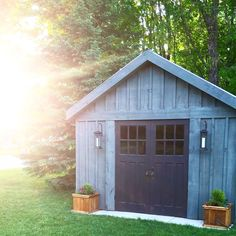 DIY Shed - board and batten/metal roof - kendrabesterdesign