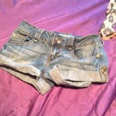 I just added this to my closet on Poshmark: Cute jean shorts size 1. Price: $25 Size: Size 1