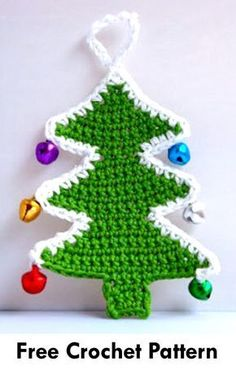 This article features awesome crochet patterns for Christmas tree appliques that are absolutely free! Crochet these free Christmas tree patterns for yourself or to give away as presents! Crochet Christmas Wreath, Crochet Christmas Decorations, Crochet Decoration, Crochet Ornaments, Christmas Knitting Patterns, Holiday Crochet, Christmas Ornaments To Make, Crochet Crafts, Free Crochet