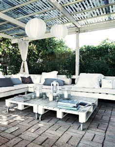 pallet furniture- like the whole thing for under the house outdoor living. The light colors would brighten the area up!