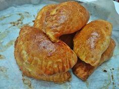 Τυροπιτάκια Κουρού της Πεθεράς 🥟 Muffin, Bread, Breakfast, Food, Morning Coffee, Eten, Cupcakes, Muffins, Bakeries