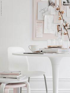 Soft pink workspace - via cocolapinedesign.com