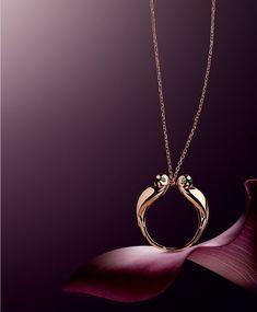 lifestyle photography #jewelryaddict Jewellery Advertising, Jewelry Ads, High Jewelry, Jewelry Branding, Photo Jewelry, Fashion Jewelry, Jewelry Design, Eye Jewelry, 5 Elements