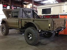 Would love to fix up an old jeep like this.