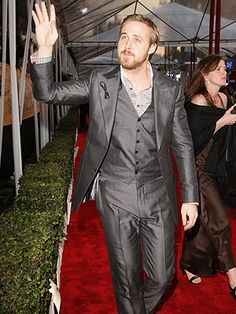 Ryan Gosling!! hehehehee ok I'm not wild about the facial hair but oh well.