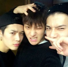 EXO's Tao and Sehun huddle up with GOT7's Jackson for cute selca