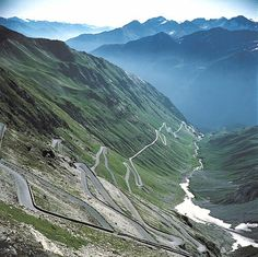 The 6 Craziest Roads In The World Passo dello Stelvio, Italy While Stelvio Pass is only the second highest paved mountain pass in the Alps at 9045 feet, its passages are much more precarious. Alpe D Huez, Dangerous Roads, Mountain Pass, Road Cycling, The Great Outdoors, Places To See, Destinations, Country Roads, World