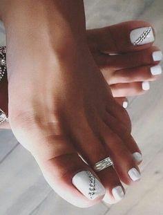 Toe Nail Color, Toe Nail Art, Nail Colors, Pretty Toe Nails, Cute Toe Nails, Gel Toe Nails, Black Toe Nails, Pretty Toes, Feet Nail Design