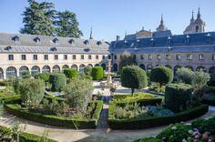 Casa de la Compaña   Turismo Mansions, House Styles, Spain, Home Decor, Saints, Home, 16th Century, Tourism, Naturaleza