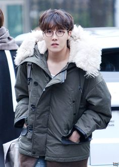 Find images and videos about kpop, bts and jungkook on We Heart It - the app to get lost in what you love. Jimin, Jungkook Jeon, Kim Namjoon, Bts Bangtan Boy, Bts Boys, Gwangju, Foto Bts, Bts Photo, Jung Hoseok