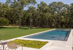House on 20 Acres, East Hampton Photographer: Laurie Lambrecht Limestone pavers and coping from Complete Tile. Pool Steps Inground, Pool Decks, Bluestone Patio, Limestone Pavers, Porch And Terrace, Outdoor Tiles, Garden Pool, Backyard Projects, Maine House