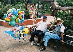 old country balloon seller - Google Search Firecracker, Vivid Colors, Balloons, Mexico, Google Search, Country, Globes, Rural Area, Balloon