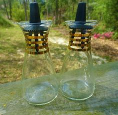 VTG MID Century Modern PYREX GLASS ATOMIC Black & Gold Salt Pepper Shakers
