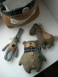 handmade toys 41 Ideas Sewing Projects T - handmade Sewing Toys, Sewing Crafts, Sewing Projects, Diy Projects, Fabric Animals, Felt Animals, Diy Bebe, Fabric Toys, Fabric Crafts