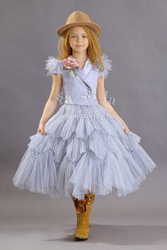 The dress - Flower Girl Dresses, Baby Girl Party Dresses, Wedding Flower Girl Dresses, Kids Outfits Girls, Little Girl Dresses, Baby Dress, Girl Outfits, Gowns For Girls, Girls Dresses, Kids Gown