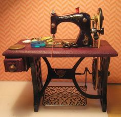 how to: sewing machine...looks like my mother's old machine from Singer...