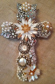 Vintage Jewelry Crafts Vintage jewelry cross by ginjoh on Etsy - Costume Jewelry Crafts, Vintage Jewelry Crafts, Antique Jewelry, Vintage Jewellery, Cross Jewelry, Jewelry Tree, Jewelry Frames, Jewelry Ideas, Walmart Jewelry