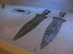 I've collected virtual Roman military daggers, pugii (the singular is pugio ), for some time now whenever a museum allowed taking picture...