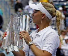 Caroline ser tilbage: Jeg glemte at nyde det Caroline Wozniacki, Day Of My Life, Tennis Players, Indiana, Sports, Girls, Fashion, Hs Sports, Toddler Girls