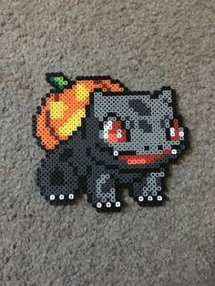 Halloween Bulbasaur Source by archimondes Melty Bead Patterns, Pearler Bead Patterns, Perler Patterns, Beading Patterns, Hama Beads Pokemon, Diy Perler Beads, Perler Bead Art, Halloween Beads, Looks Halloween
